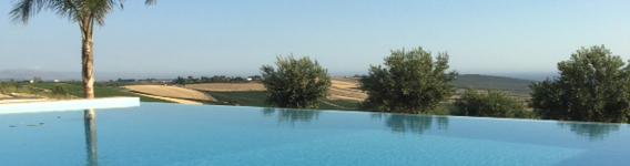 saltvattenspool och relaxplats Casa Alma på Sicilien
